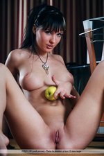 Phylis Busty Naked Babe With An Apple-05