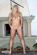 Nikita Busty Naked Blonde Babe Posing-00