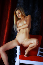 Blonde and gorgeous, Lisa Dawn looks absolutely irresistible-07
