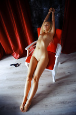 Blonde and gorgeous, Lisa Dawn looks absolutely irresistible-12