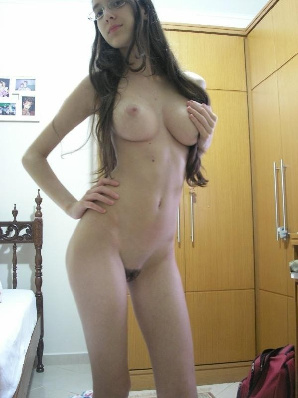 Horny Selfshot Amateur Teen Showing Off Naked-04