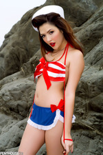 Pin-up Babe Cassie Laine-08
