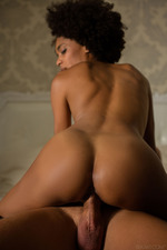 Sexy Ebony Luna In Sensual Sex-09