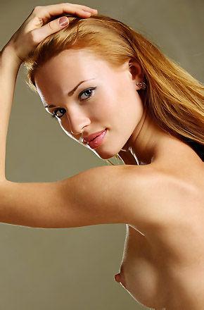 Rinna Sexy Nude Redhead Girl