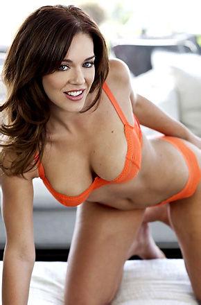 Charlie Boyde In Sexy Bikini