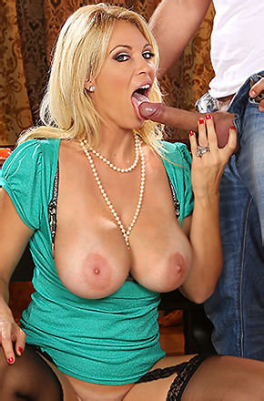 Charlee Chase Free Porn Pictures