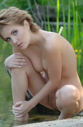Babe Naked On Lake