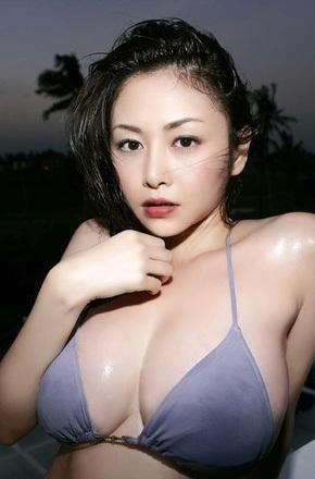 Busty Asian Anri Sugihara
