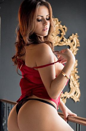 Sexy Latina Izabella Morales