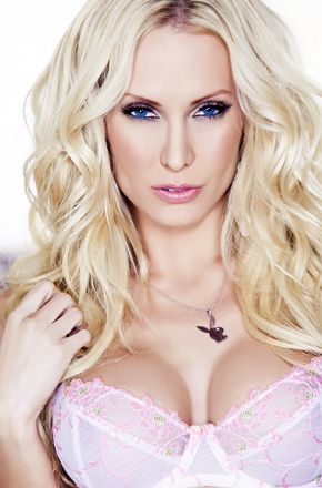 Sexy Blonde Playmate Jennifer Vaughn