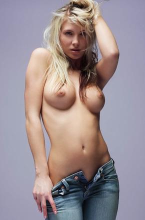 Nicole A