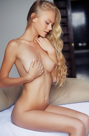 Slim Blonde Nancy Spreads Pussy On A Bed