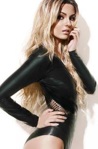 Hot Celebrity Victoria Justice