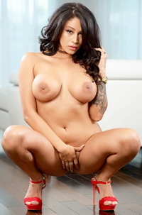 Busty Latina Milf Rayna Rose Stripping