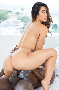 Eva Lovia Catching Up