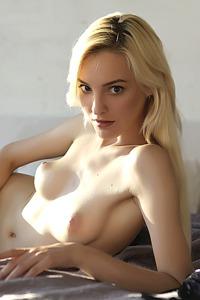Stunning Ukrainian babe Kira W